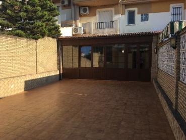 Alquiler pisos casas adosados y otros en bellavista for Pisos alquiler bellavista